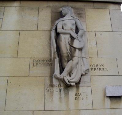 sculpture d'immeuble