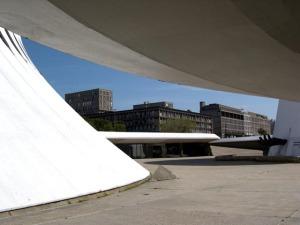 Niemeyer[1]