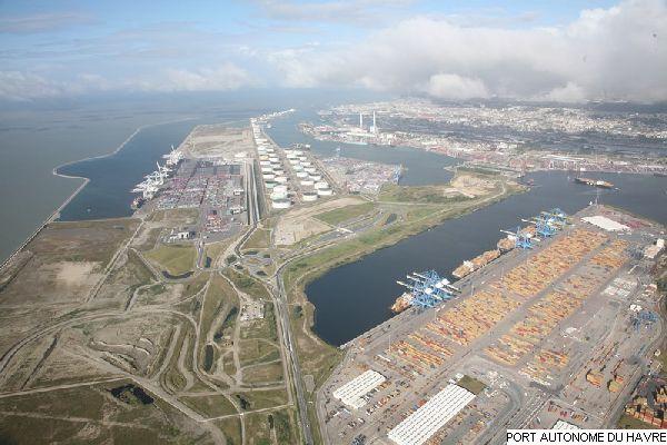 Port du havre vue a rienne du centre multivrac le - Port autonome du centre et de l ouest ...