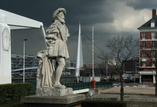 statue-le-havre-france-1345853007-1201413