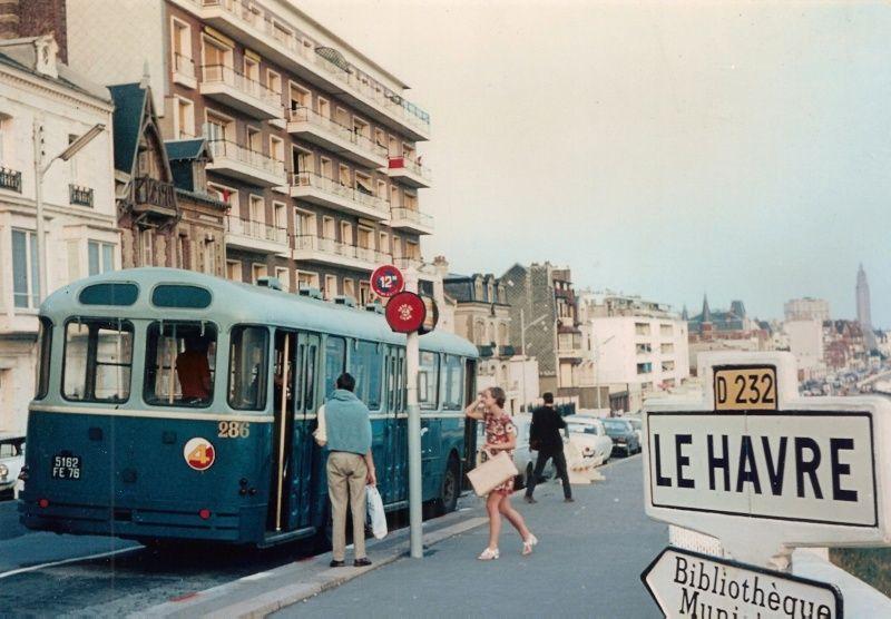 Bord de mer du havre place cl menceau terminus du bus for Garage clemenceau le havre