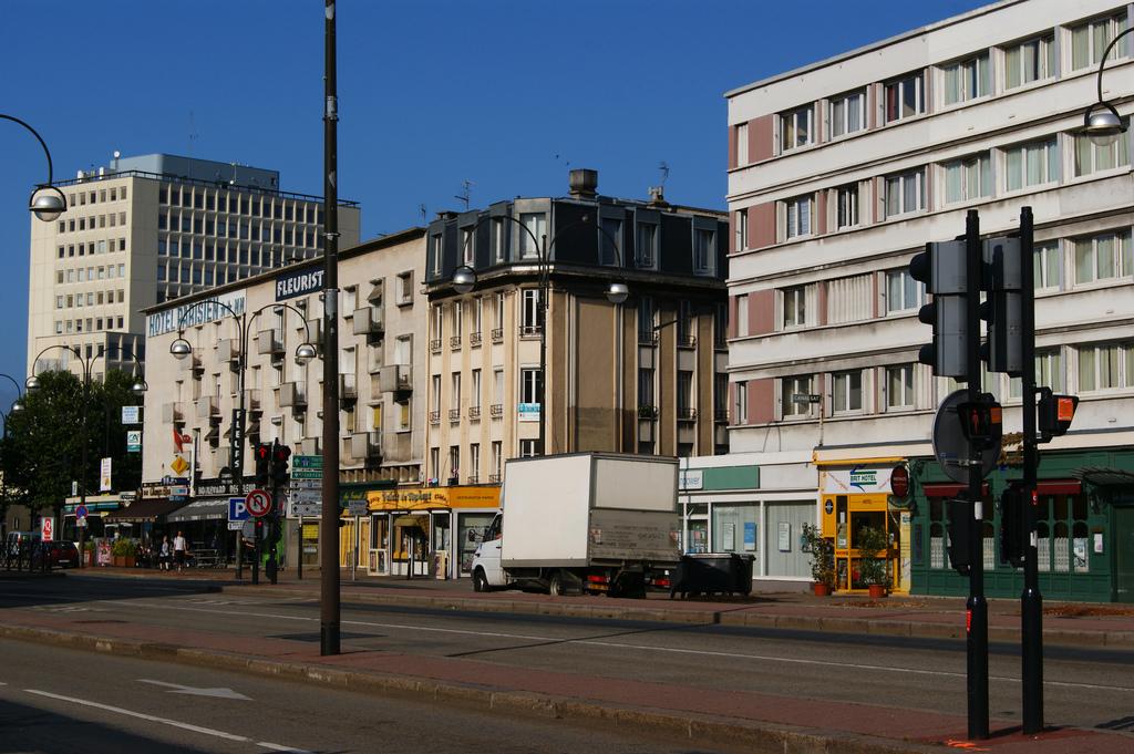 Charmant Cours De La République, Le Havre. Par RayNYC. U003e